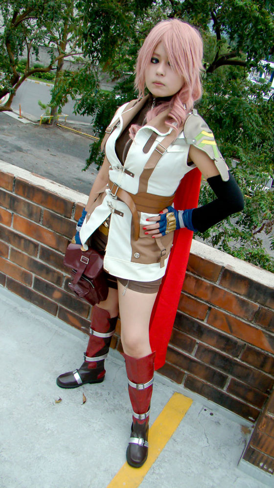 cosplay of Claire Farron from Final Fantasy XIII