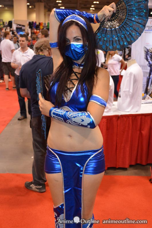 More Mortal Kombat Kitana Cosplay